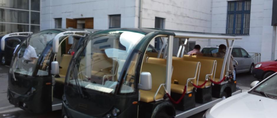 minibus turistic