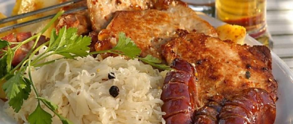 friptura ci carnati de porc cu varza murata