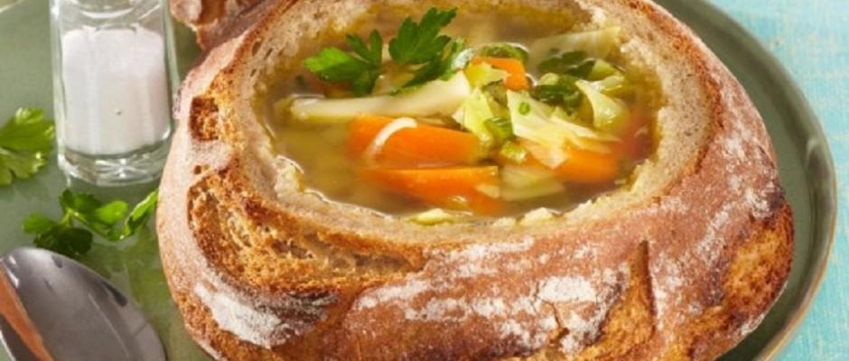 ciorba de legume in paine