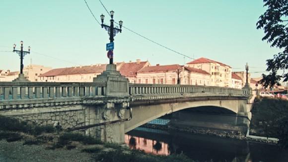 podul eroilor timisoara