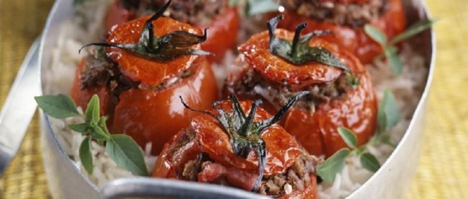rosii la cuptor umplute cu carne de vita